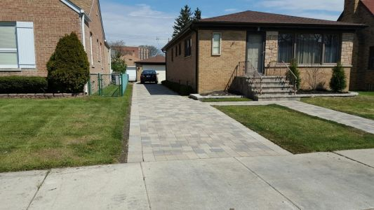 Brick Driveway in Chicago Area in Lombard