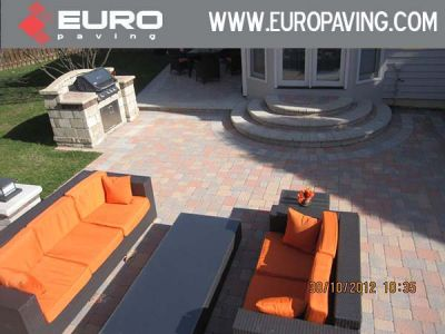 Euro.paving.brick_.driveway.patio_.retaining-wall.-Glenview.-Niles.-Des-Plaines.-Arlington-Heights.-Wilmette