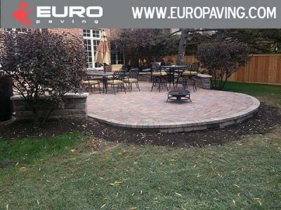 brick paving sidewalk and patio setup