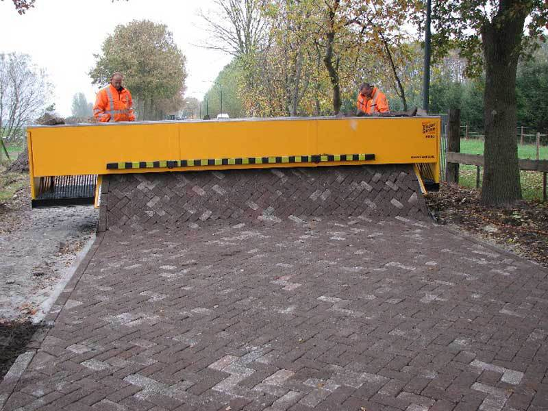 brick paver laying machine