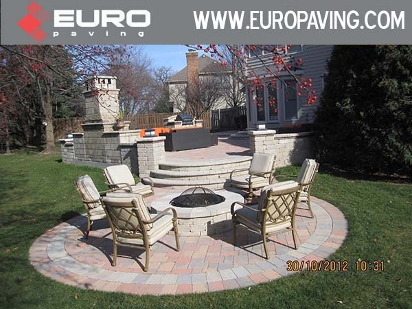 amazign design of brick paving located in Glenview Illinois