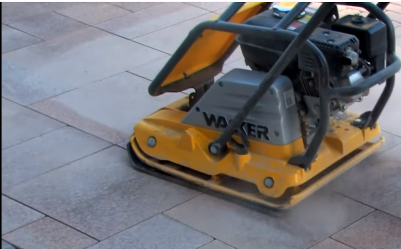 How to use a plate compactor to build patio in chicago are